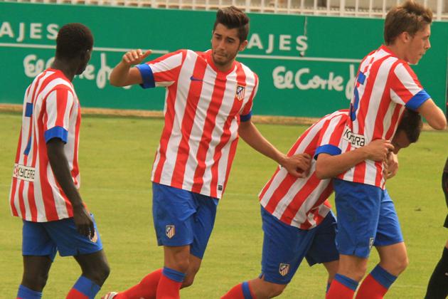 Atleti B celebra el gol en Valdebebas