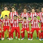 Atlético con pantalón rojo