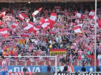 Afición del Atlético de Madrid en el Fondo Sur del Vicente Calderón.