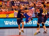 Balic lanza a portería en el Atlético de Madrid Barcelona de balonmano