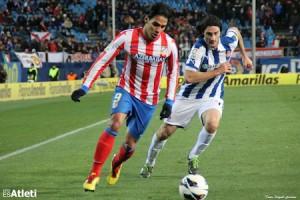 Falcao en una jugada en el Calderón