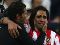 Falcao llora al lado de Simeone en la final de la Copa del Rey