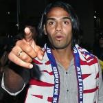 Radamel Falcao con la bufanda del Atlético de Madrid