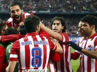 Atletico celebra gol al Valencia